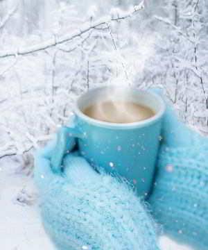 Hilft kalt oder warm besser bei Halssschmerzen?