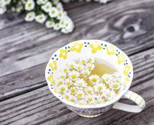 Tee beruhigt die Schleimhäute und neutralisiert bei Sodbrennen Magensäure